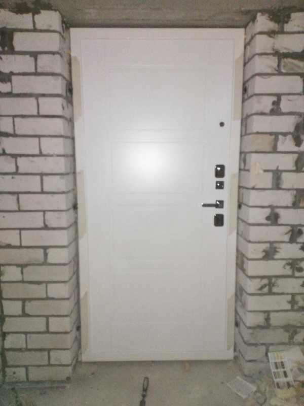 Установленные заказы на входные двери Гардиан