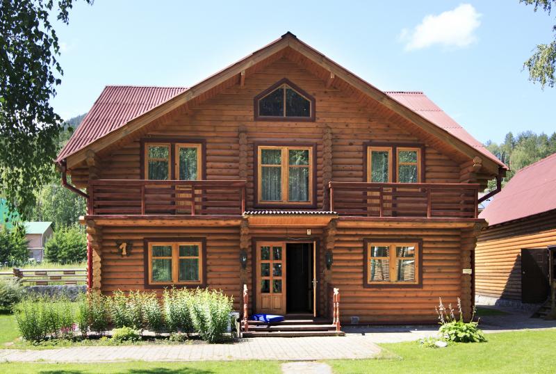 Какие окна в деревянный дом