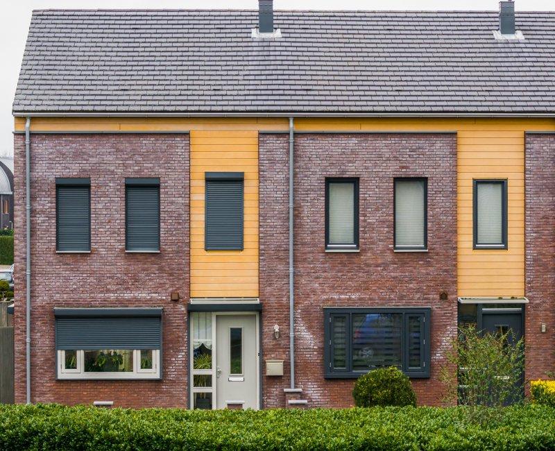 Рольставни на окна: решетчатые или обычные